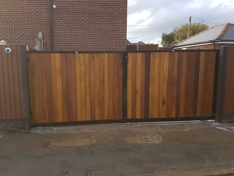 Metal and wood combined gates in Wrexham