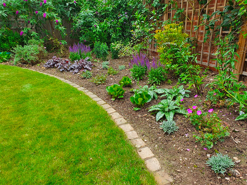 Planting design and border services